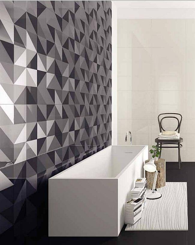 Абстрактная композиция из плитки на стене ванной комнаты.