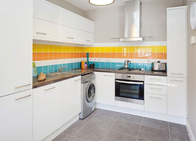 Kitchen-backsplash-that-is-all-about-cheerful-elegance (Custom)