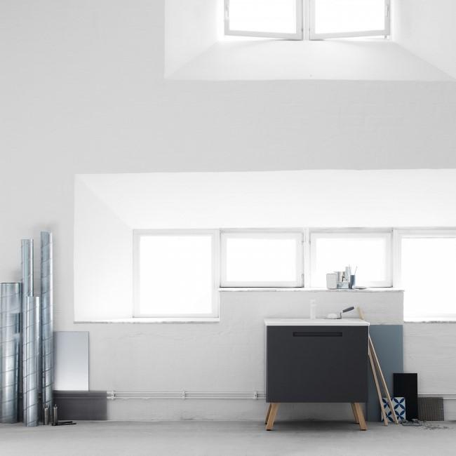Напольный шкаф для ванной комнаты от шведской фирмы Swoon.