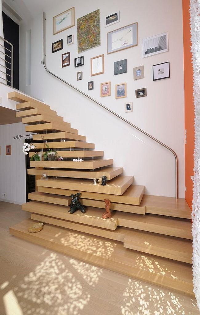 Лестница-пирамида в интерьере современного дома.