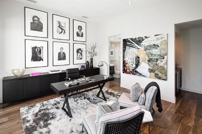 Черно-белая комната с дизайном с элементами классического и современного стилей.