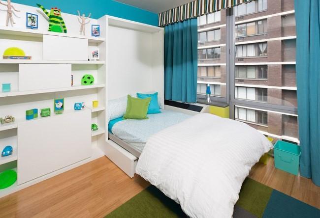 Яркая гостевая-игровая комната с удобной раскладной кроватью и мебелью.