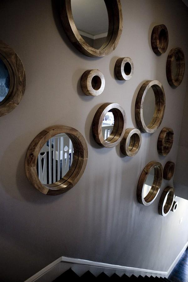 Коллекция круглых зеркал для лестницы