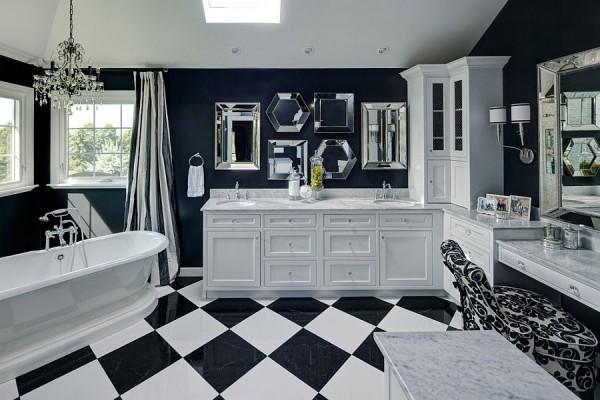 Стильная ванная с коллекцией зеркал