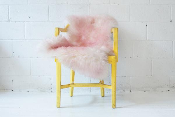 Овечья шкура цвета фламинго от Эльфи
