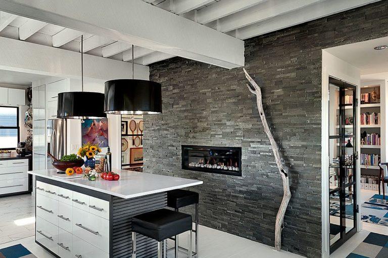Современная кухня в деревенском стиле с навесным освещением