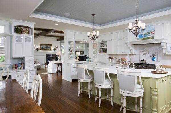 Необычный потолок добавляет красоты в эту кухню